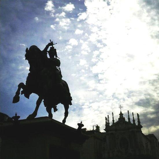 Tour Torino by night